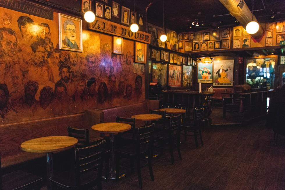 Old Town Ale House in Chicago, United States.