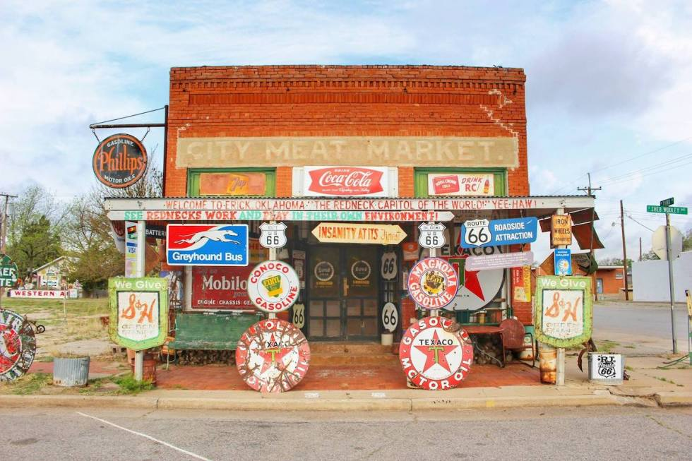 Sandhills Curiosity Shop in Erick, Oklahoma