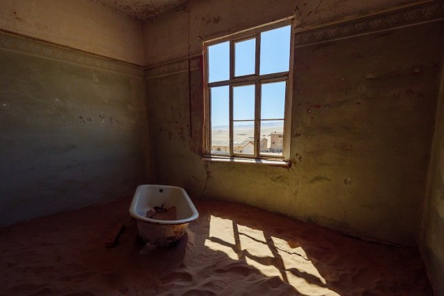 bathtub in abandoned house at Kolmanskop ghost town