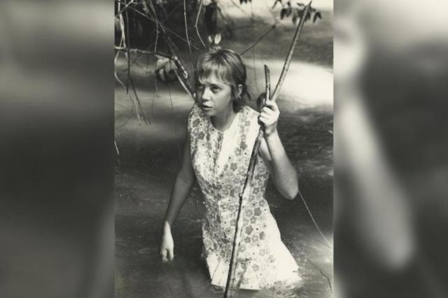 Teenage girl Juliane Koepcke wandering into the Peruvian jungle