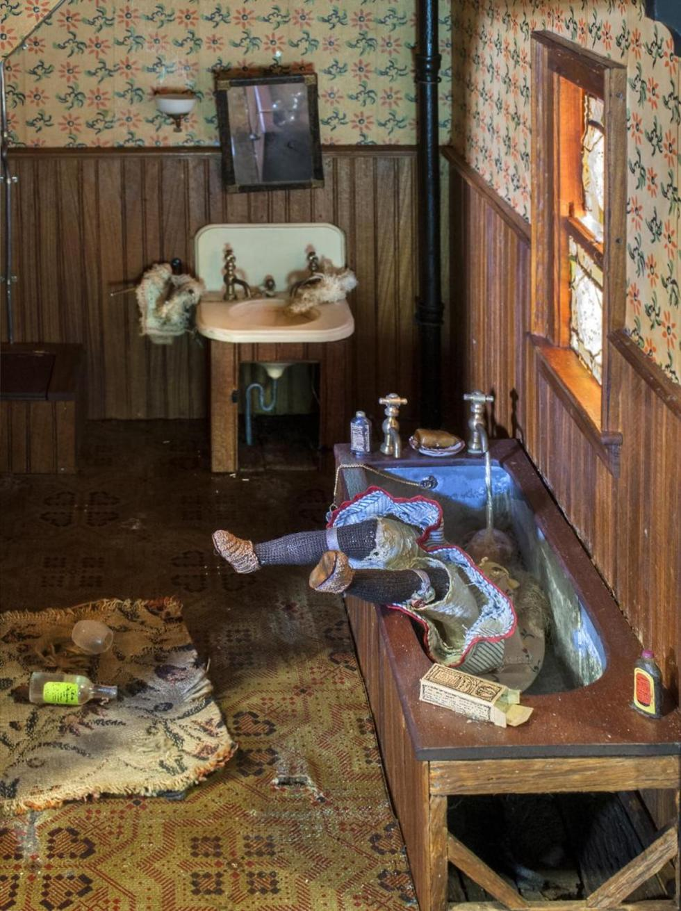 Frances Glessner Lee 'Dark Bathroom' detail