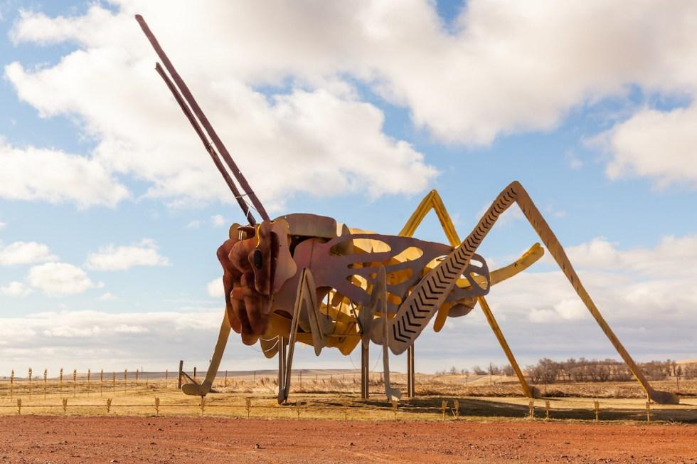 2021/01/grasshoppers-enchanted-highway.jpg?fit=1200,798&ssl=1