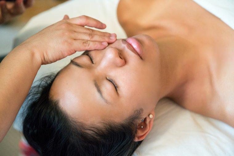 wellness, facial, body, healing, eczema, skin, morning routine, facial, makeup