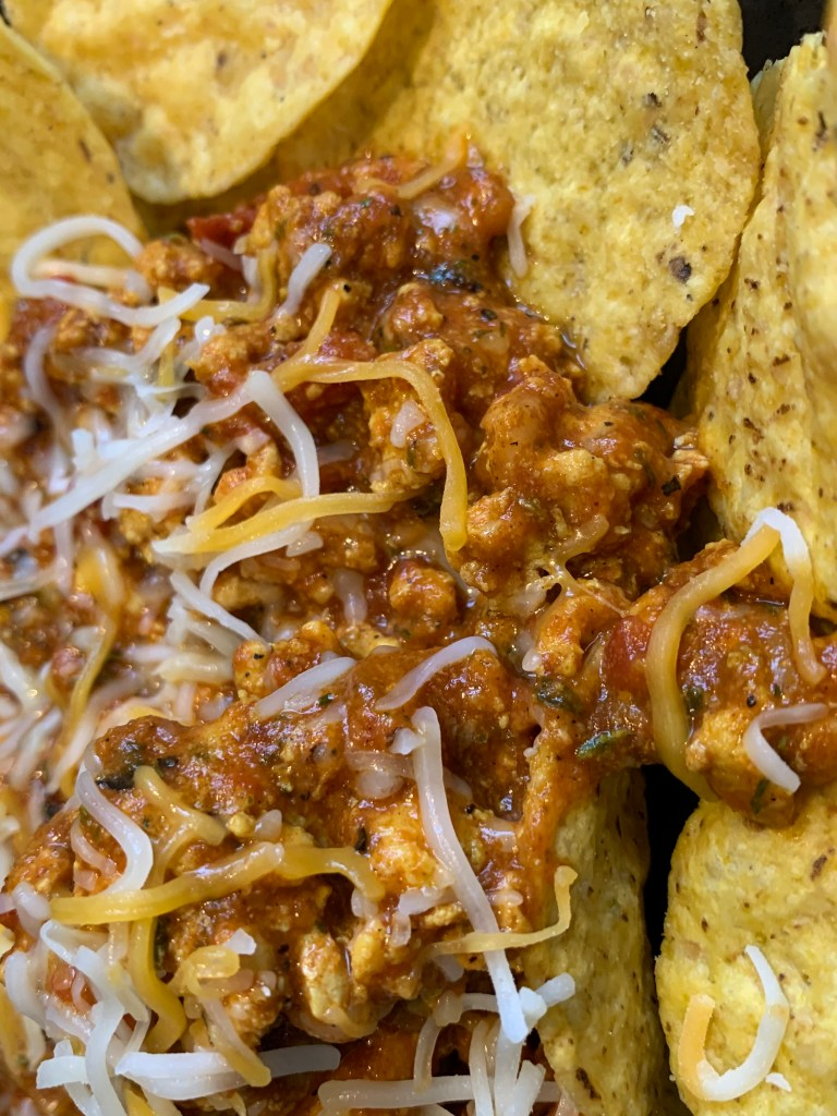 nachos with cheese, healthy recipes, ground turkey, cheese, Mexican cheese, diced tomatoes