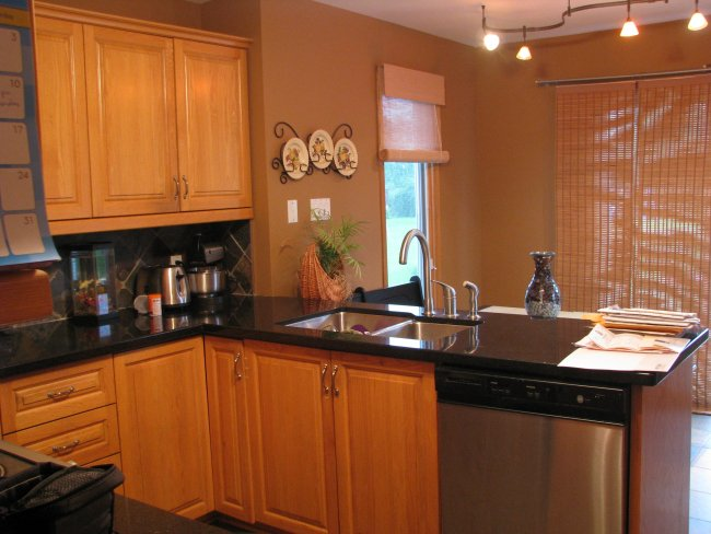 outdated kitchen makeover