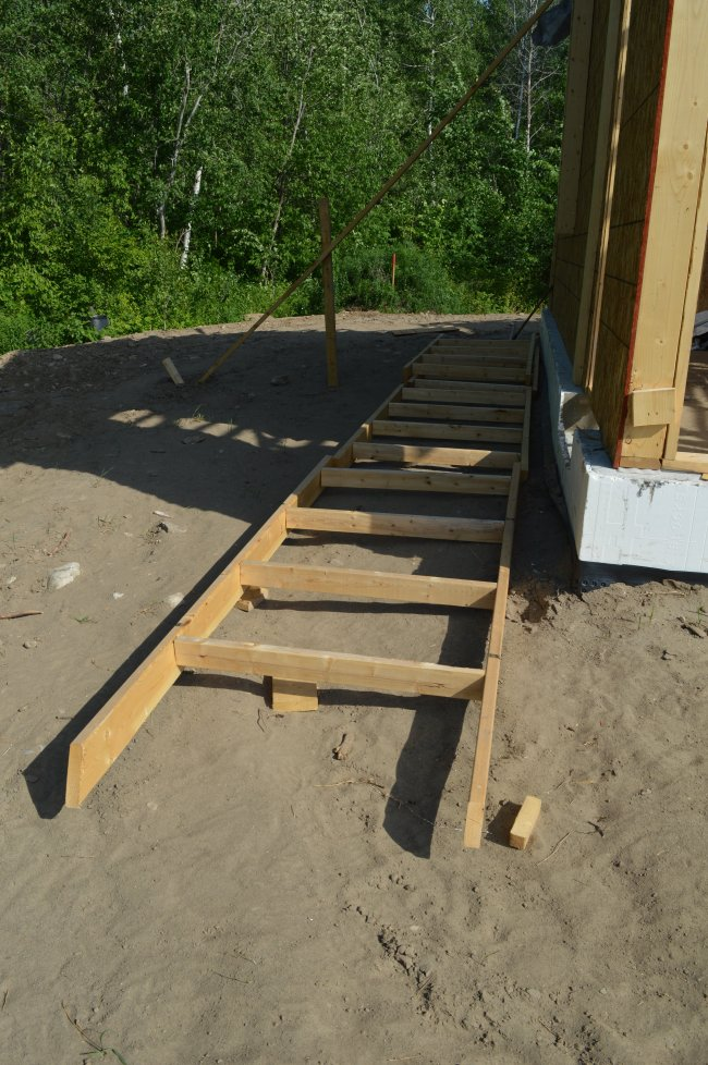 Grandor trusses and ladder
