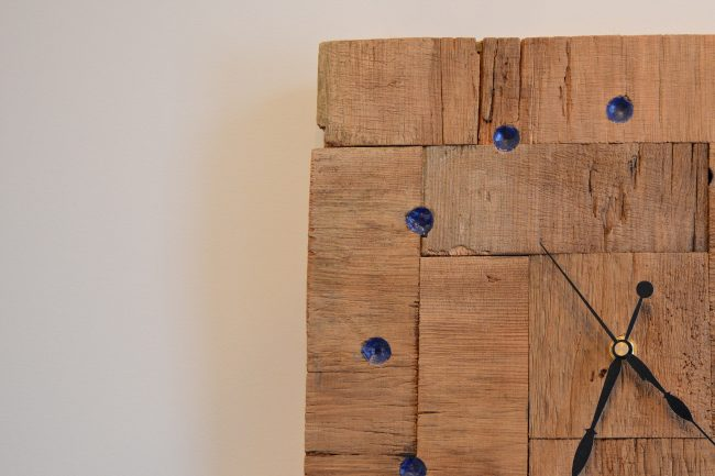 Barnboard clock with chalk dust epoxy resin inlay