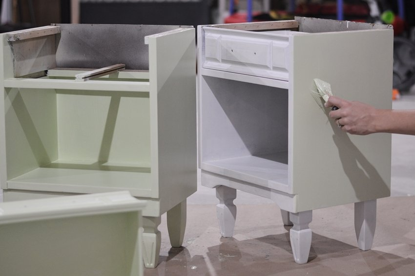 using milk paint for furniture