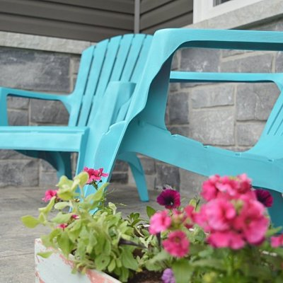 how to spray paint plastic adirondack chairs