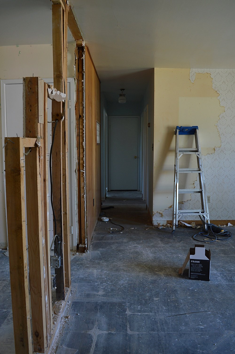 interior wall removal between kitchen and dining room