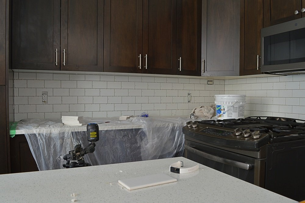 subway tile backsplash DIY tutorial