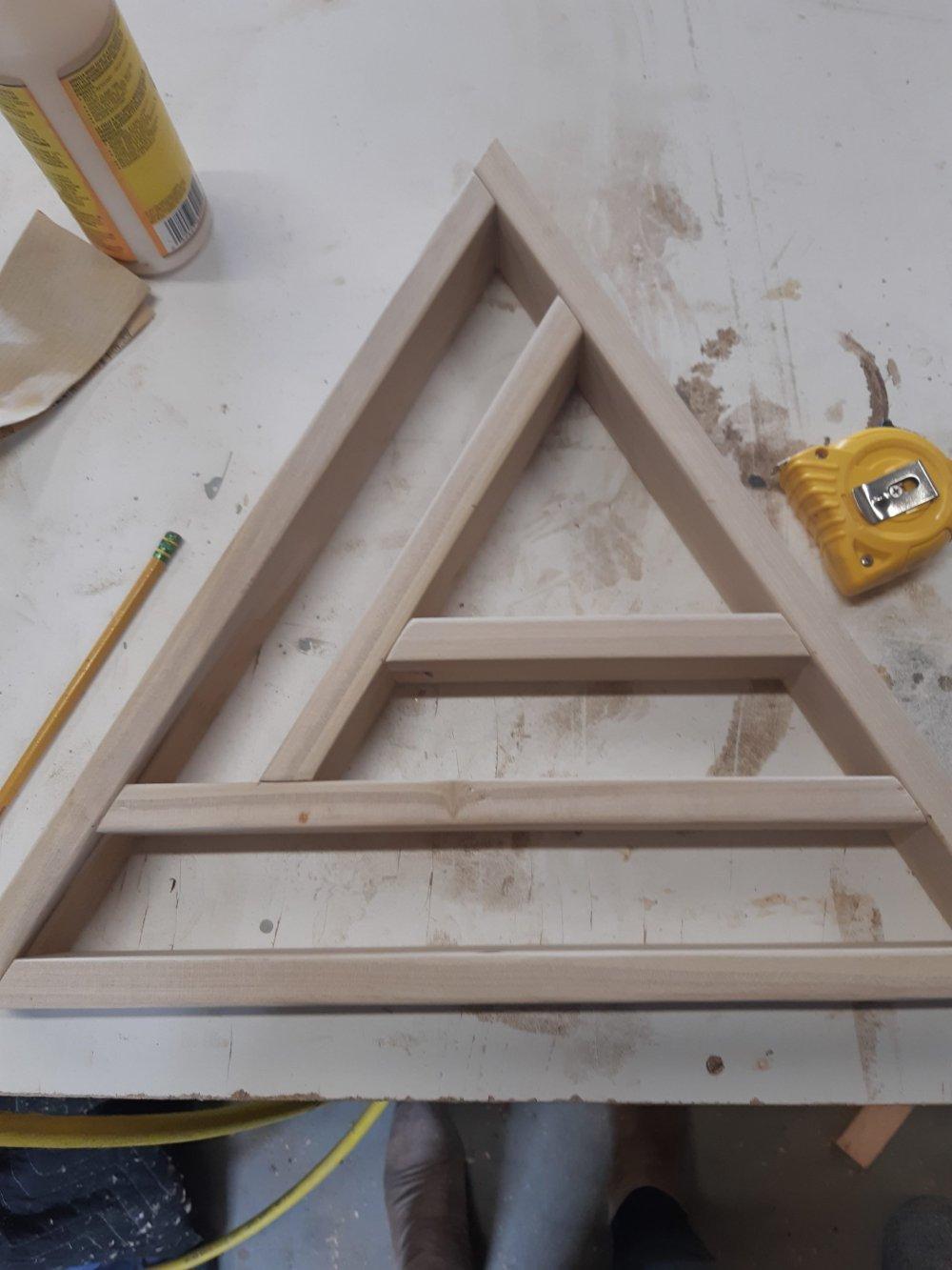 how to make a triangle display shelf