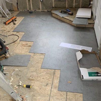 Vinyl tile click flooring in a cabin