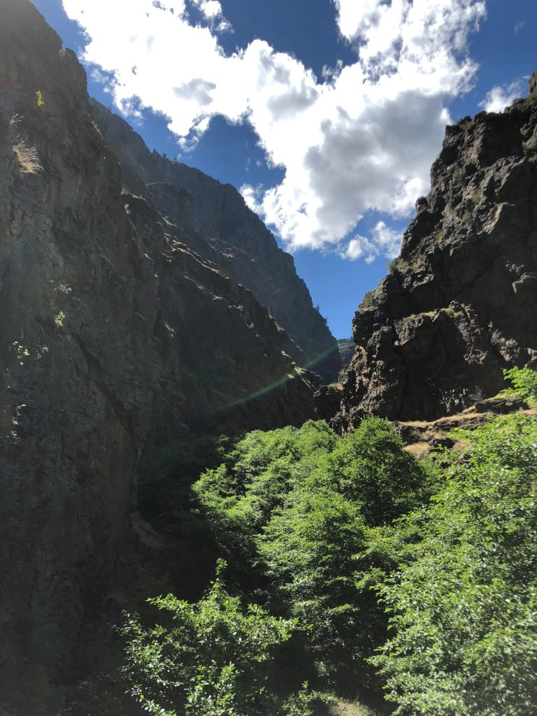 Looking up a side Canyon at Hells Canyon