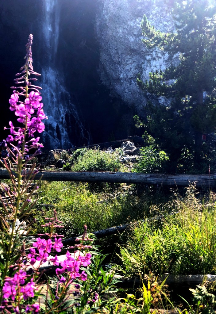 Fairy Falls Yellowstone hike national park