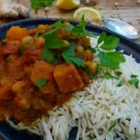 Pumpkin & Chickpea Curry (Chana Masala)