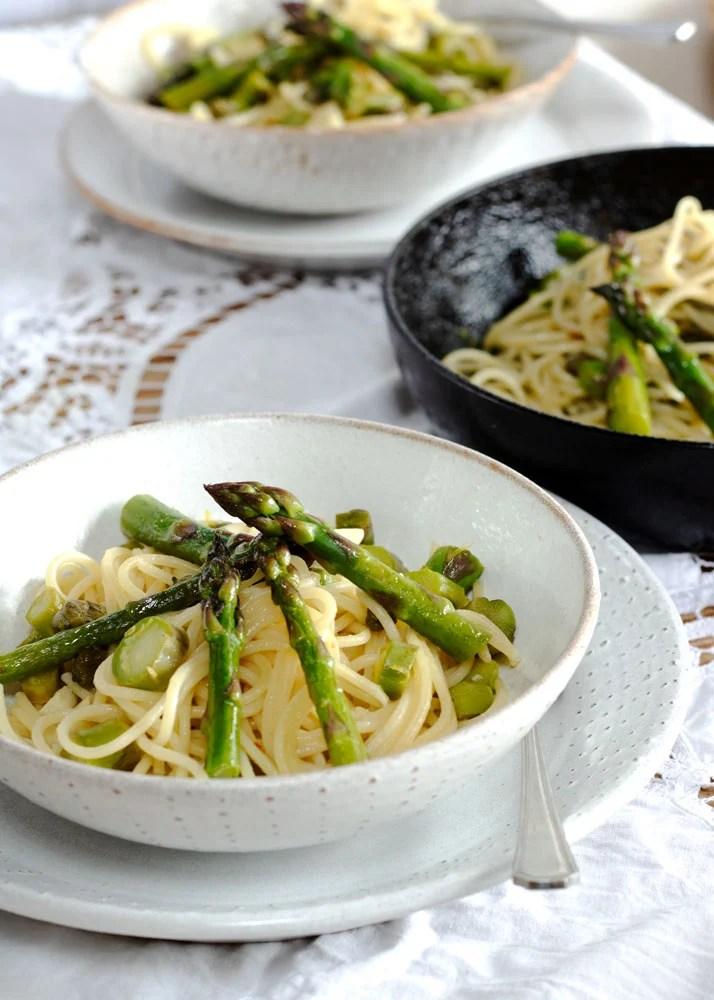 Close up of bowl of lemon asparagus pasta