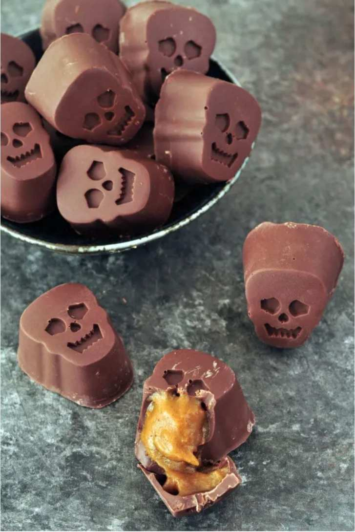Pumpkin Caramel Chocolate Skulls