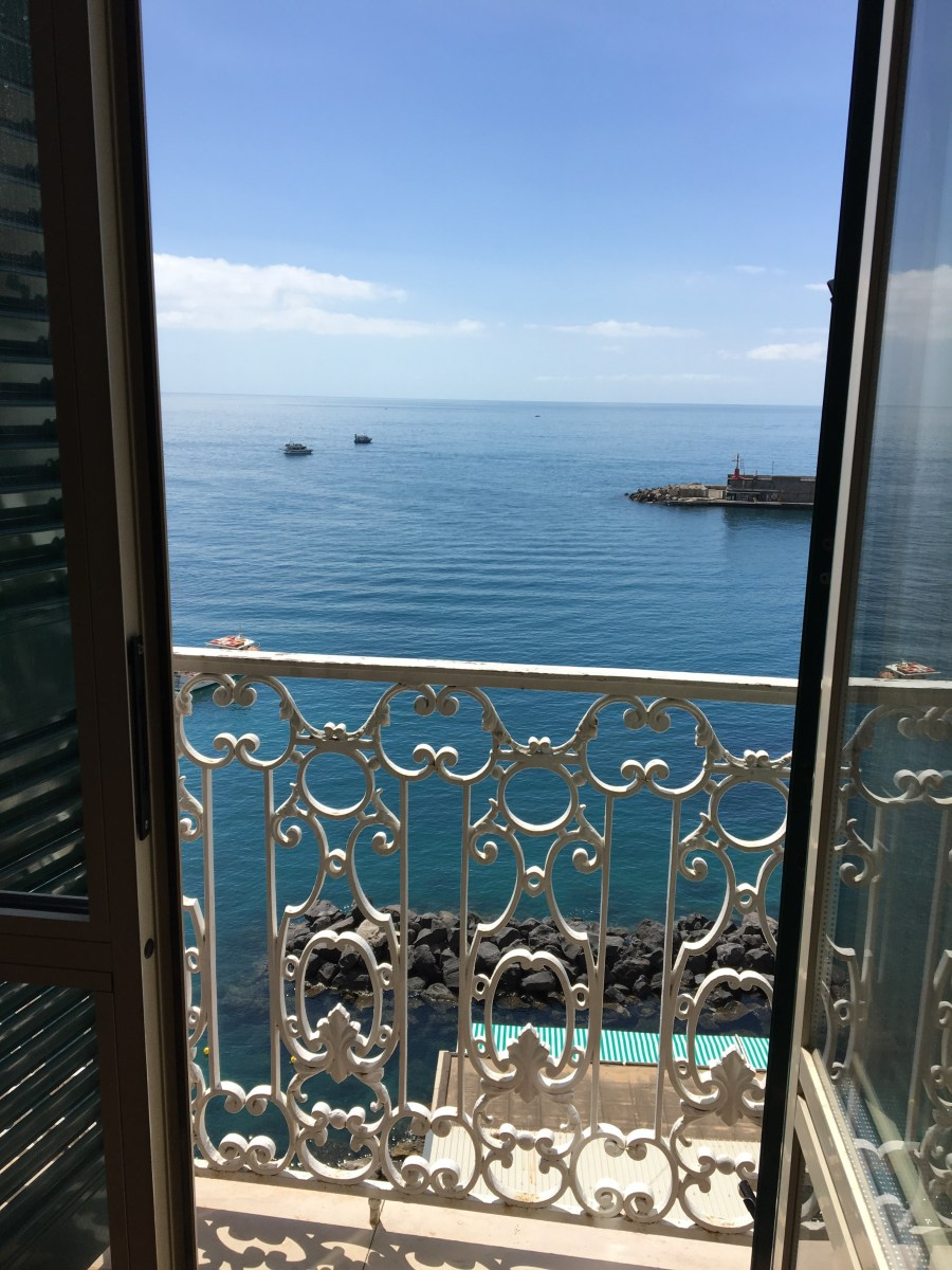 Hotels & Accommodations: Camere Con Vista