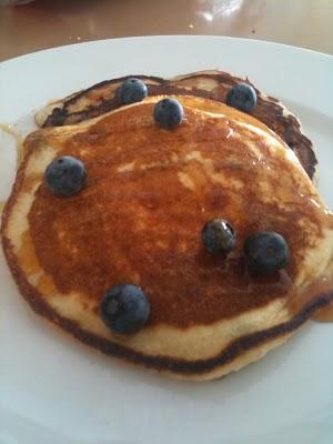 vegan blueberry pancake recipe | Veggie Mama