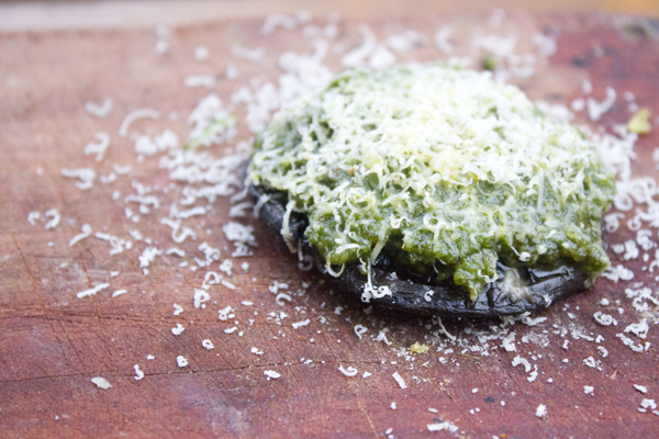 stuffed mushroom pesto cheese