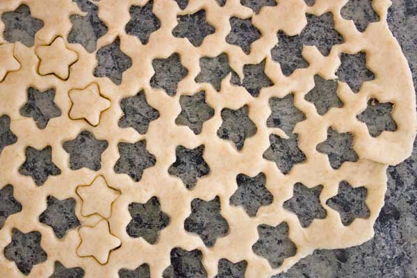 cheese-crackers-stars-cutouts