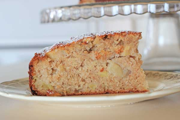 Vintage Apple and Cinnamon Tea Cake