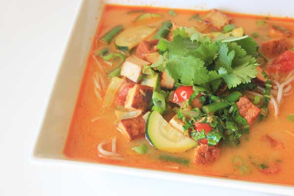 This fresh and fragrant thai soup for one takes less than 10 minutes and is packed with flavour.