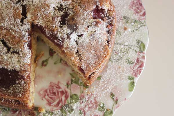 raspberry jam cake | Veggie Mama