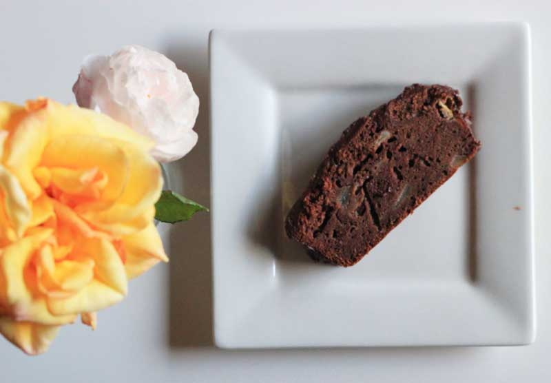 Pear,-chocolate,-and-banana-cake-2