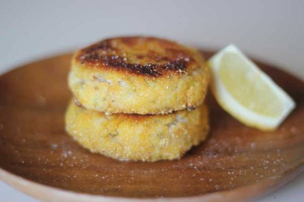 Got a craving for the lemony mashed potato cakes Me too - so I made these fish-free versions.