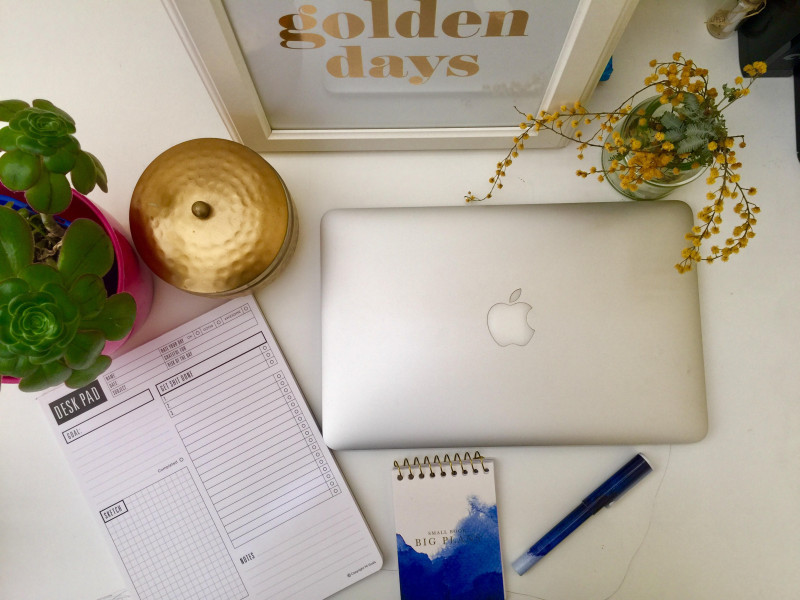Working from home isn't always as easy as we think (especially when there are young kids involved!). Here are my top tips to survive | Veggie Mama