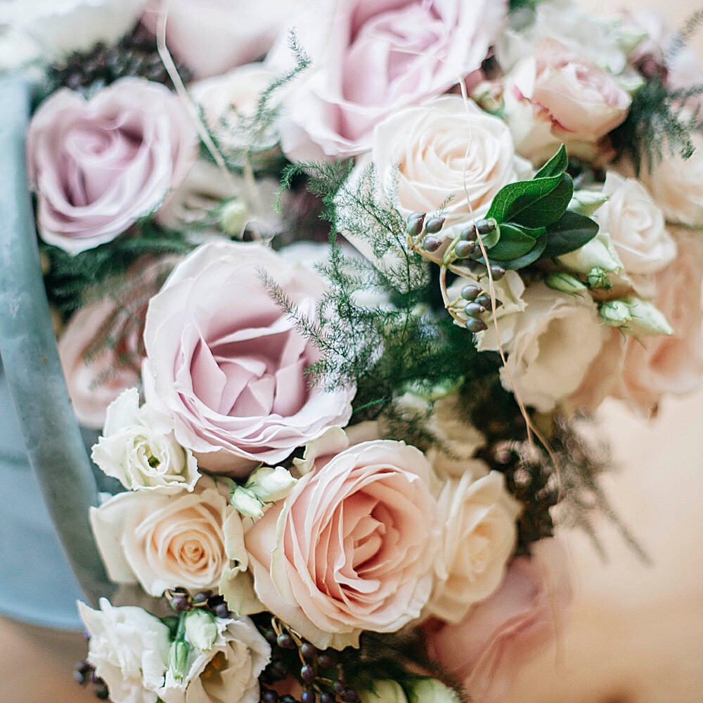 Elegant pink and peach rose bouquet