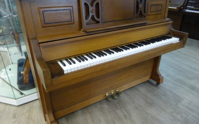 Piano droit CLEMENT