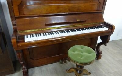 Piano droit YOUNG CHANG U121