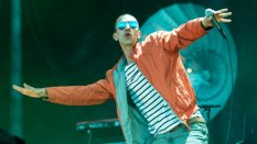 richard-ashcroft-at-isle-of-wight-festival-2016-1-1465812858-list-handheld-0