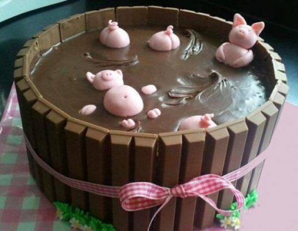 Little Piggies Swimming in Nutella in a Kit Kat cake