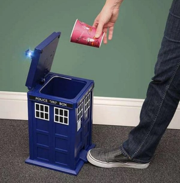 Doctor Who: TARDIS Flip-Top Pedal Bin