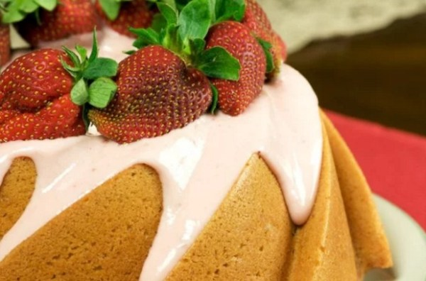 Strawberry Bundt Cake with Strawberry Cream Cheese Frosting