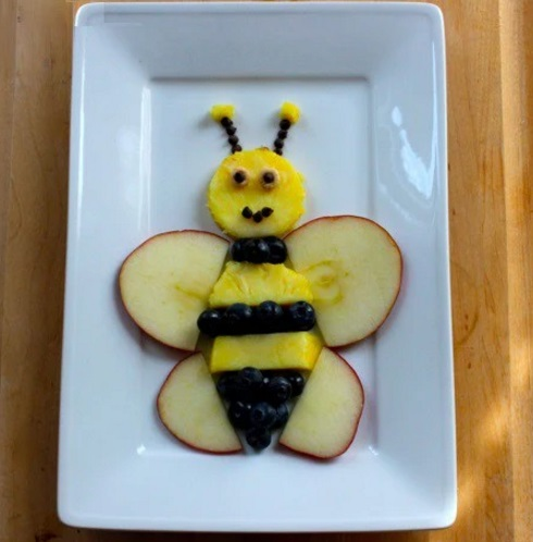 Bee Fruit Plate