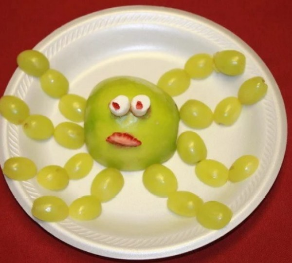 Octopus-shaped fruit snack