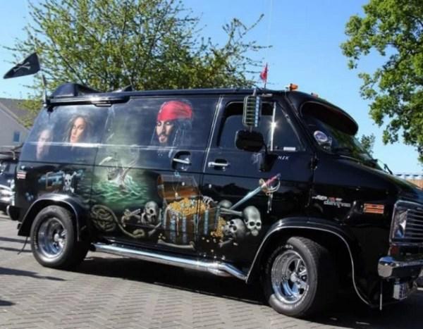 Pirates of the Caribbean Van