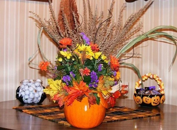 Things to do With Pumpkins After Halloween: Vase
