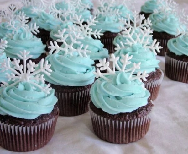 Snowflake Inspired Cupcakes