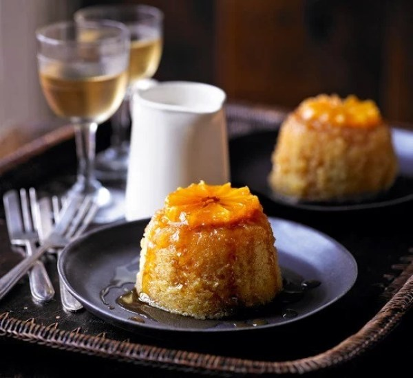 Clementine puddings with rosemary cream