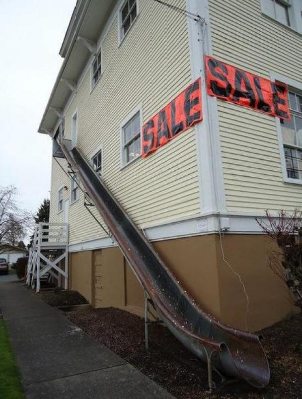 Half-Pipe Fire Escape Chute: Fixed