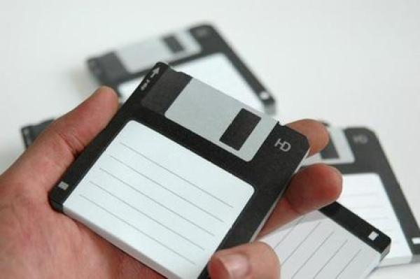 Floppy disk Inspired Post-it notes