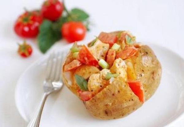 Chicken and Tomato Jacket Potato with Greek Yogurt