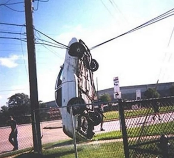 Car crash onto wires