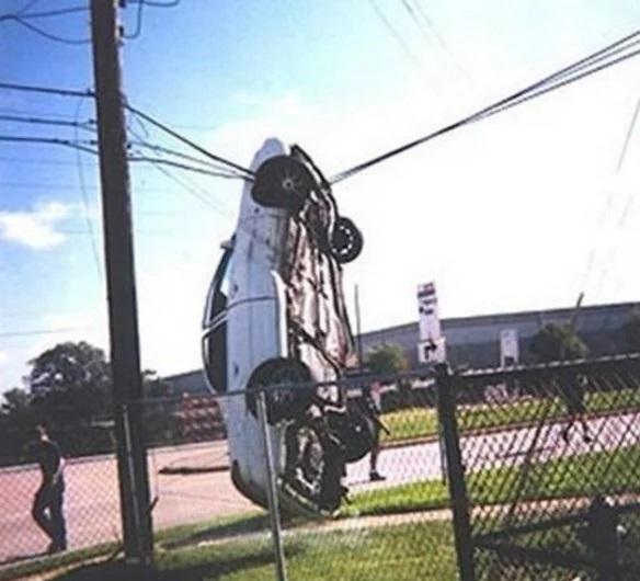 Car crash onto wires